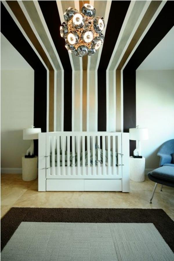 Wandbemalung kinderzimmer tolle interieur ideen - Kronleuchter kinderzimmer ...