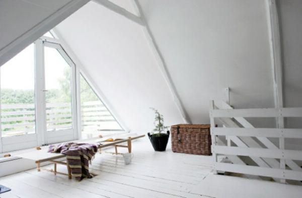 wohnzimmer einrichten groß fenster weiß einrichtung
