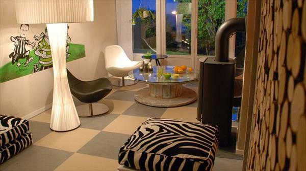 DIY Holz Wohnzimmermöbel aus Kabeltrommel robust