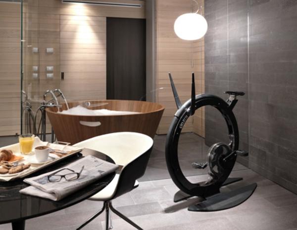 glas trennwand badewanne holz Fitness Fahrrad Heimtrainer wandlampe