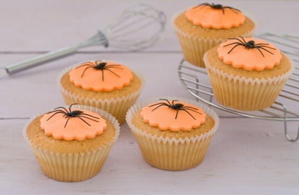 Halloween Deko selber machen cupcakes