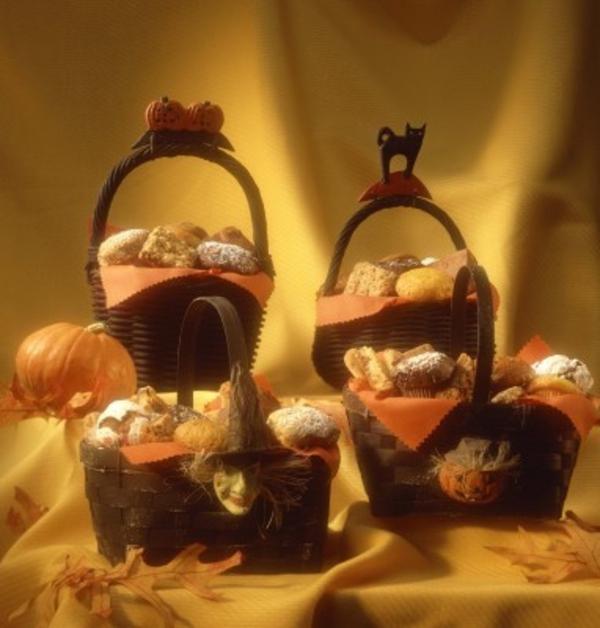 Halloween schwarze katze Deko selber machen tischdeko