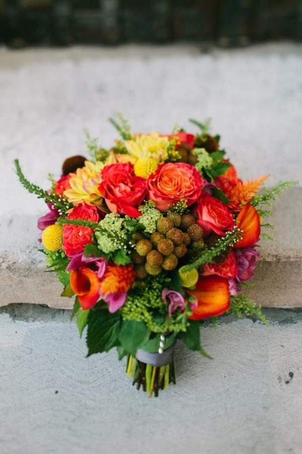 Hochzeitsblumen Coole Brautsträuße orange herbtstlich Bilder rot