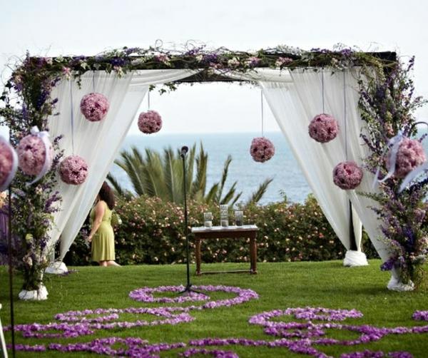 Hochzeitsdeko Blumenschmuck hängend gardinen
