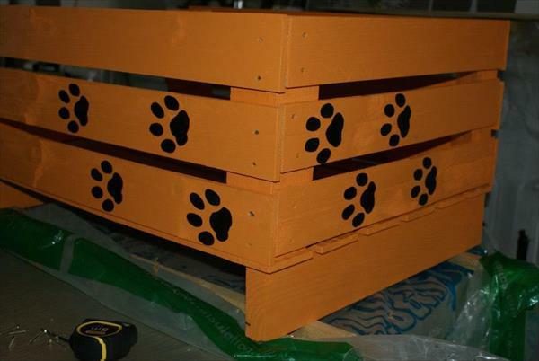 Hundebetten Holz katzen sofas haustiere muster pfoten