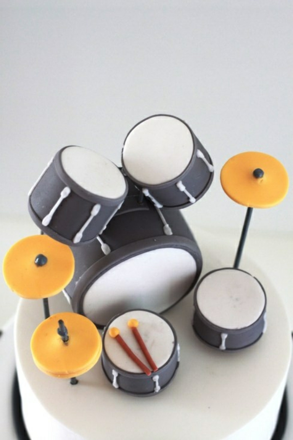 How To Make A Cake Shaped Like A Drum Set