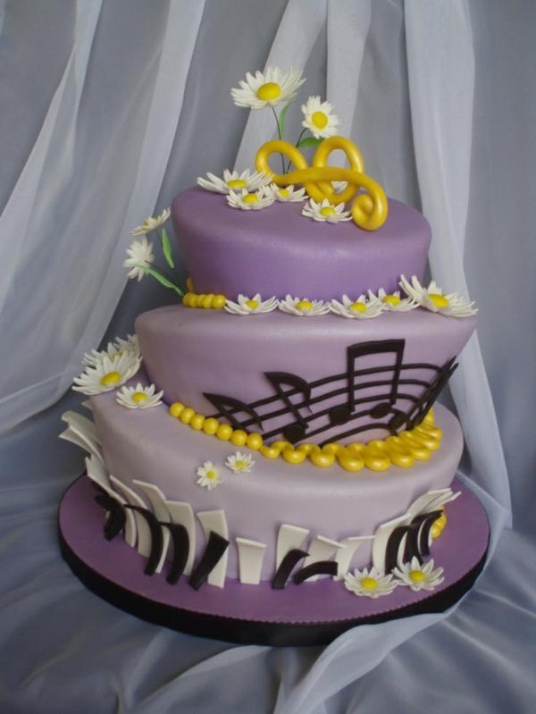 Leckere Musik Torten lila glasur mädchen