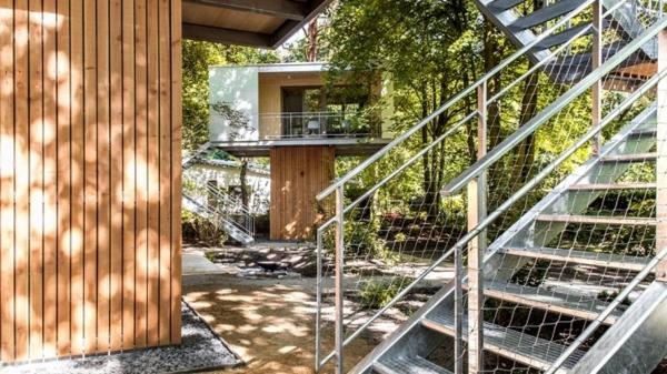 Magisches Baumhaus berlin baumhaushotel treppe