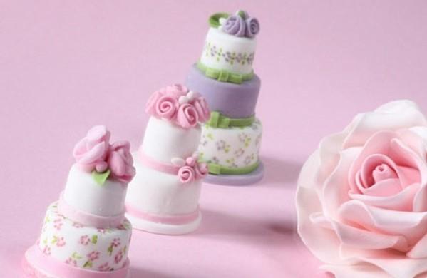 Mehrstöckige-Hochzeitstorten-kuchen-braut-mini