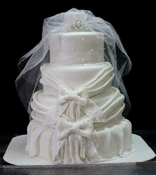 Mehrstöckige Hochzeitstorten kuchen braut schleier