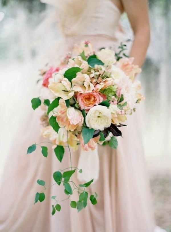Pfirsichfarben brautkleid Hochzeitsdeko Cremig