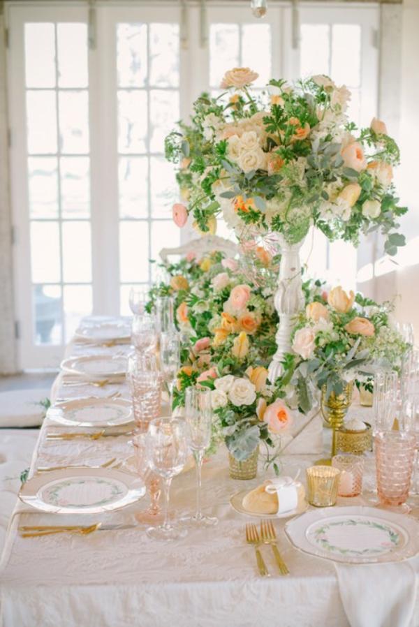 Meine Hochzeitsdeko in Cremig und Pfirsichfarben brautstrauß