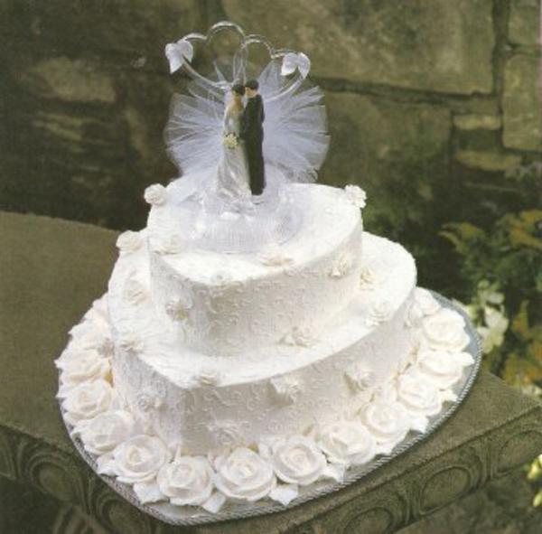 Preiswerte zweistöckige Hochzeitstorten herz