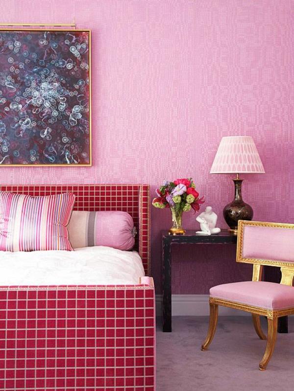 Raumgestaltung Ideen Magenta Farben Wand
