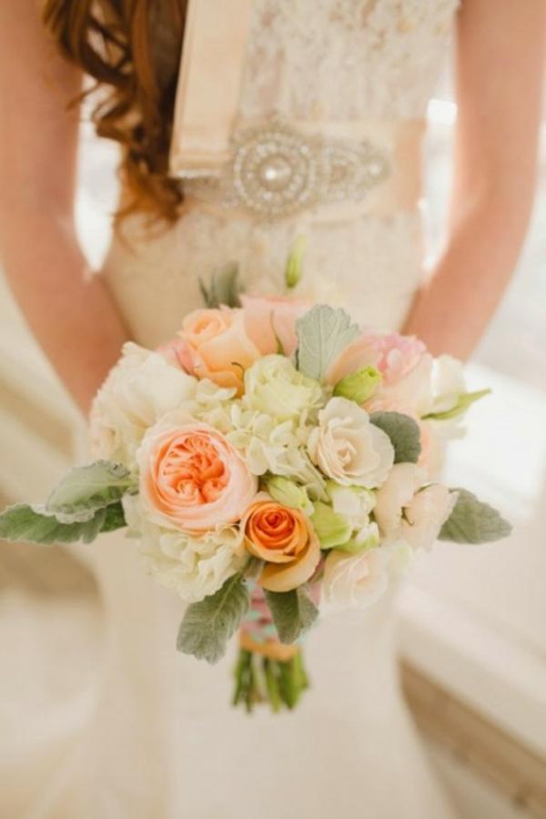Scheinende Hochzeitsdeko Ideen dekoideen hochzeit brautstrauß