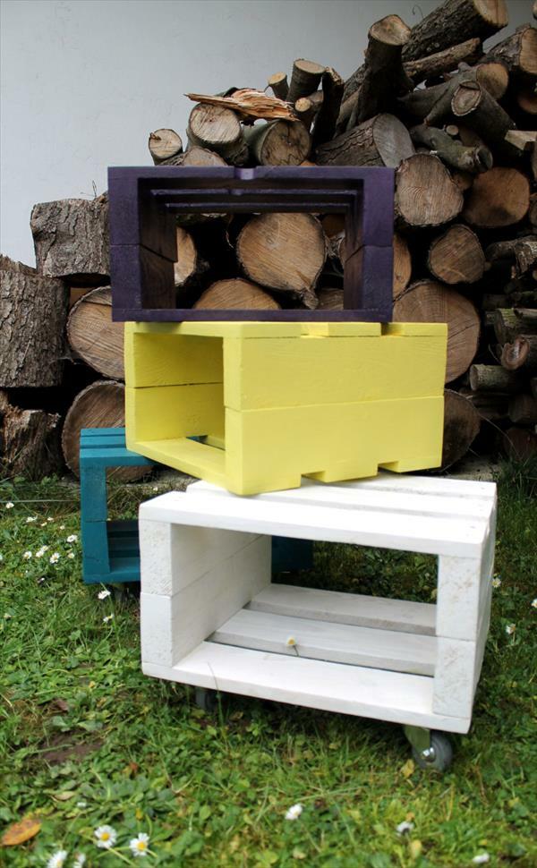 Sitzhocker aus Holzpaletten gelb weiß