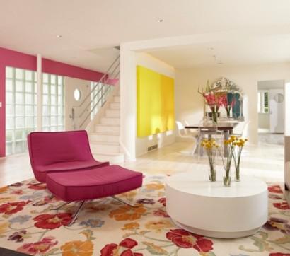 tapeten und stoffe mit blumenmuster als deko im innendesign. Black Bedroom Furniture Sets. Home Design Ideas