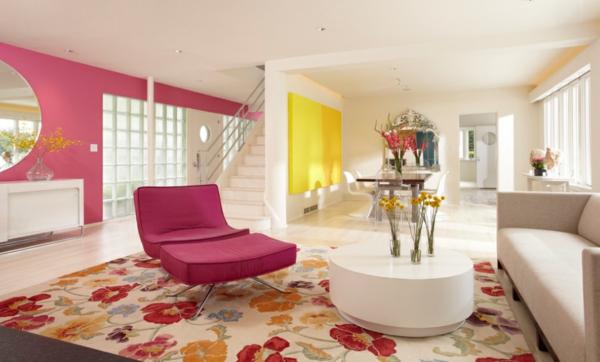 Tapeten und Stoffe mit Blumenmuster wohnzimmer