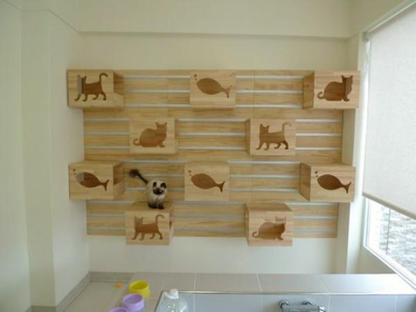 Katzenmöbel und Kratzbäume tafel