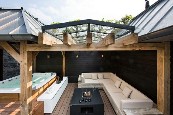 Wellness Einrichtung Schwimmbad Garten sofas
