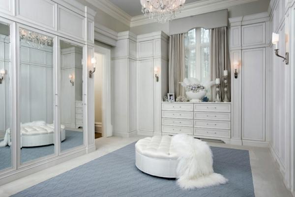 ankleidezimmer planen spiegeltüren begehbarer kleiderschrank möbel ottomane