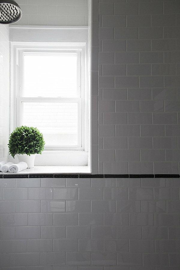 badezimmer einrichten zimmerpflanzen am fenster