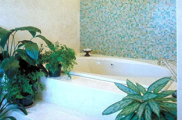 badezimmer einrichten zimmerpflanzen freistehende badewanne