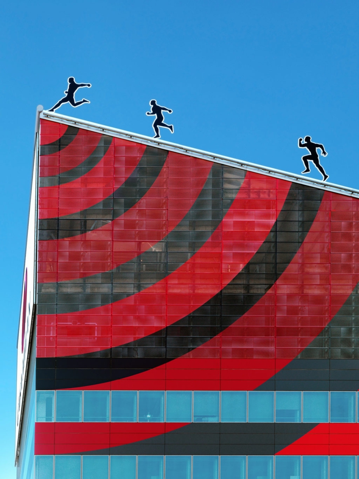casa milan fabio novembre moderne architektur gebäude rot schwarz rossaneri