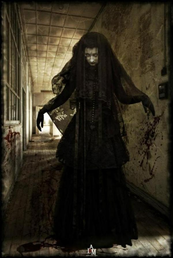 halloween kostüme schrecklich hexe horror