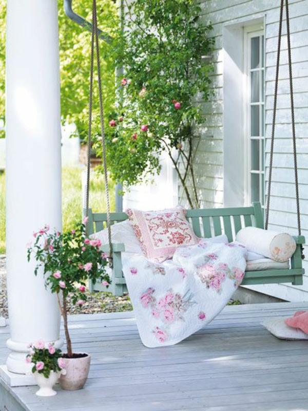 coole terrassengestaltung outdoor schaukel pflanzen