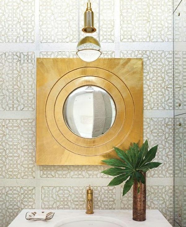dunkle flecken spiegel im badezimmer golden messing