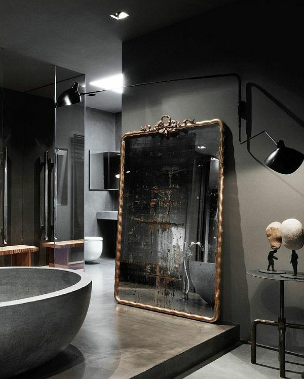 Dunkle Flecken am Spiegel im Badezimmer und wie vermeidet man sie