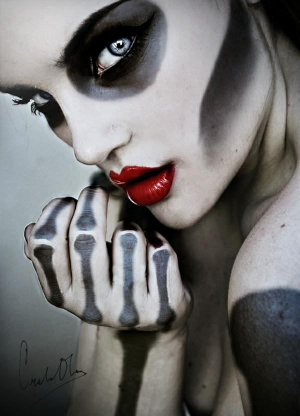 halloween schminken zombie gesicht schminke knochen skelett