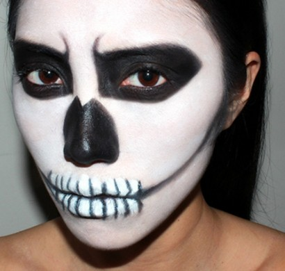 halloween schminke als zombie auf der halloween party. Black Bedroom Furniture Sets. Home Design Ideas
