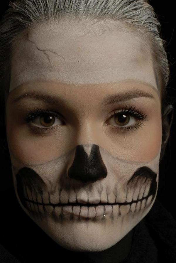 halloween schminken zombie schminktips ideen