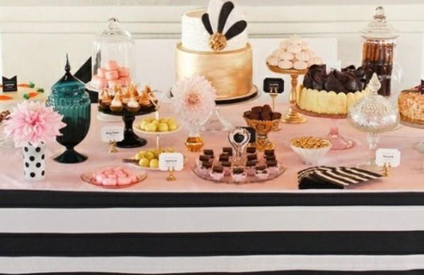 hochzeitstische-dekorieren-tischdeko-ideen-nachspeise-buffet