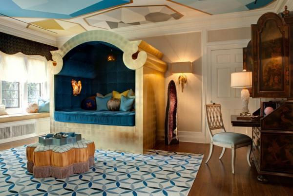 innendesign ideen ägyptischer stil wohnideen schlafzimmer bett ottomane antikmöbel