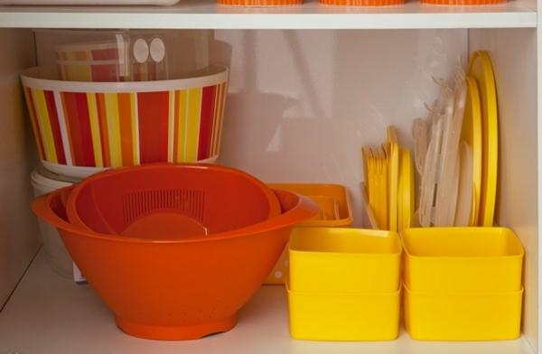 küchengestaltung ideen küchenschränke ordnen stauraum frischhaltebox