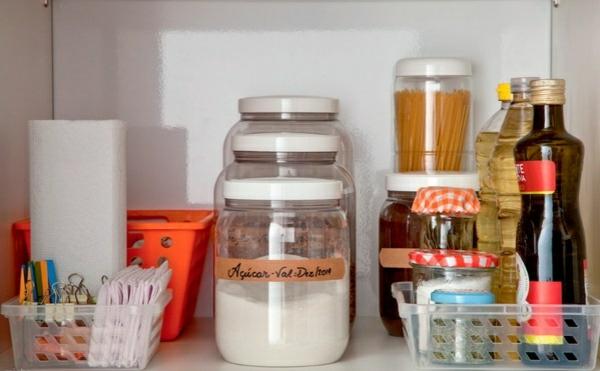 küchengestaltung ideen küchenschränke ordnen stauraum küchenutensilien