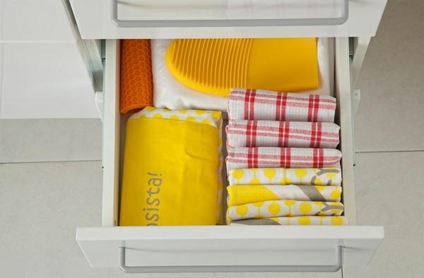 küchengestaltung ideen küchenschränke organisieren tischdecken