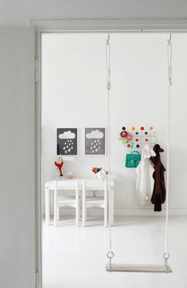 kinderzimmer gestalten spielraum schaukel tür zarge tisch wandgestaltung bilder