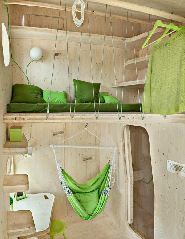 kleines holzhaus studentenwohnung tengbom architekts schlafzimmer hochbett wohnzimmer hängestuhl