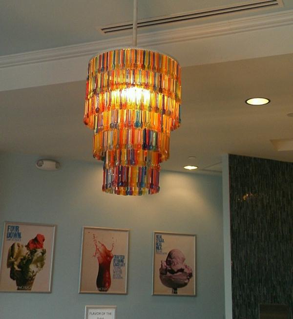 lampenschirme selber machen kronleuchter farbige plastiklöffel bastelideen