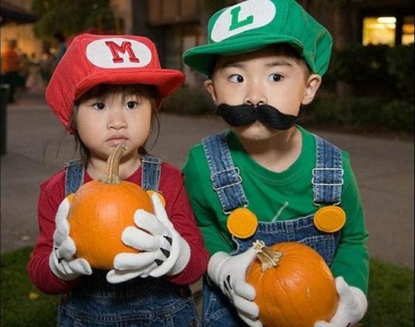 halloween kostüme kinder luigi und mario