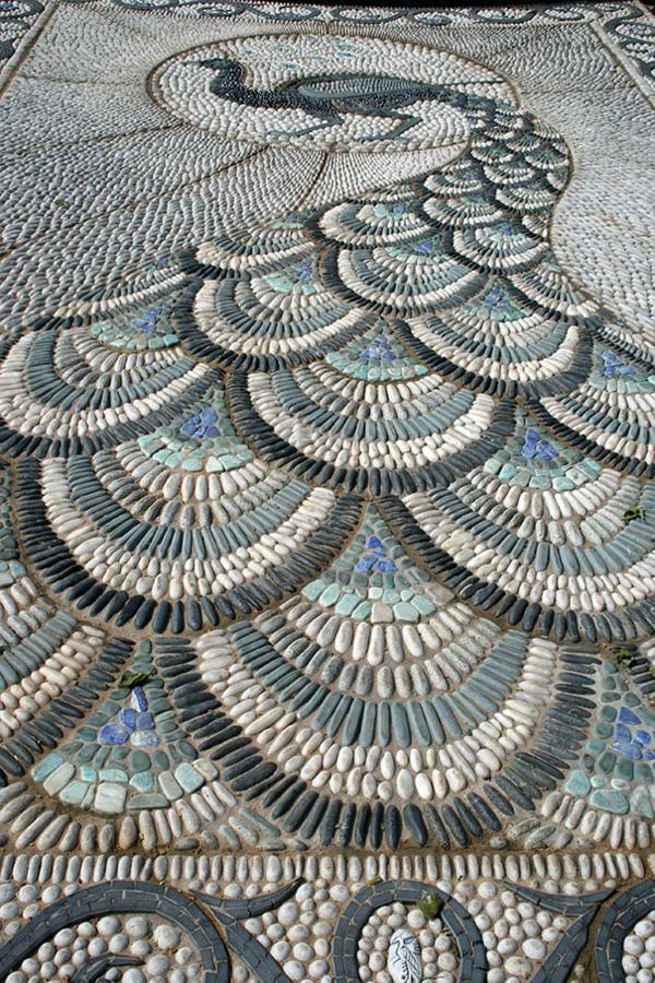 pfauen kieswege kunstvoll gartengestaltung fisch
