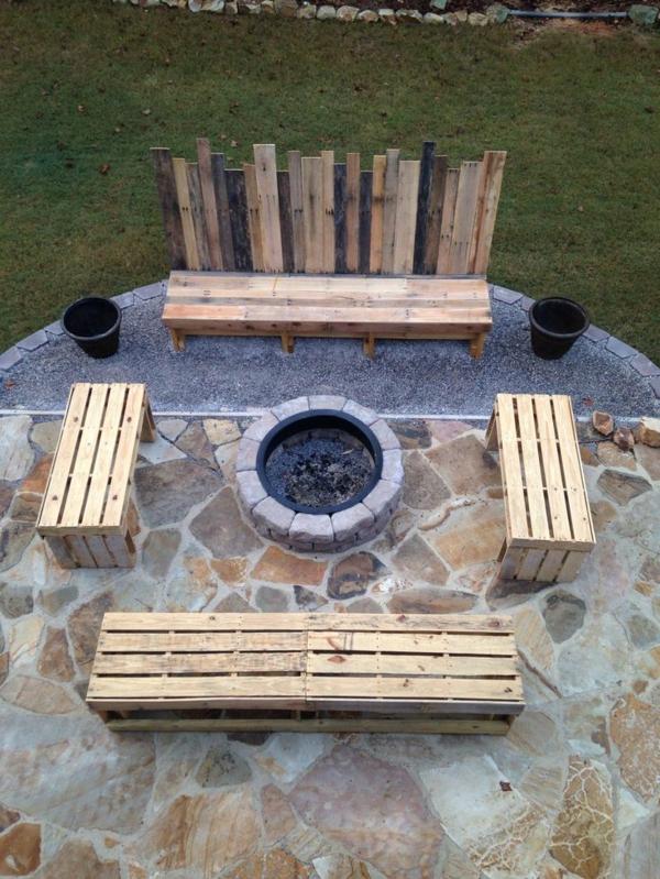 massive Holzmöbel rückenlehne sofas Paletten feuerstelle
