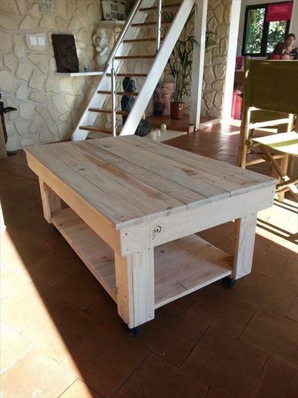 große Holzmöbel Paletten holz tisch