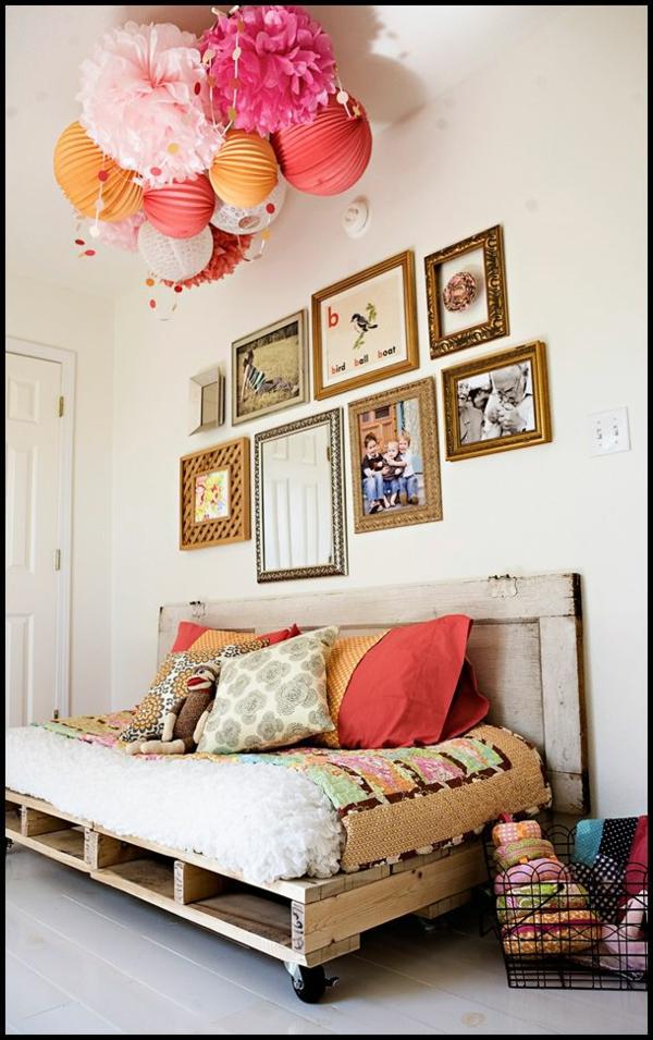 massive bilder rahmen wand deko  Holzmöbel aus Paletten sofa