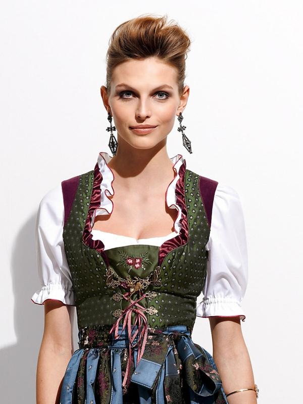 Damen Trachtenmode - Dirndl Kleider fürs Oktoberfest München 2014