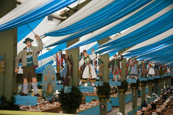 oktoberfest m nchen 2014 das gro e bierfest auf der wiesn. Black Bedroom Furniture Sets. Home Design Ideas